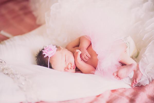 Brandon & Laura's Newborn Portraits-0016