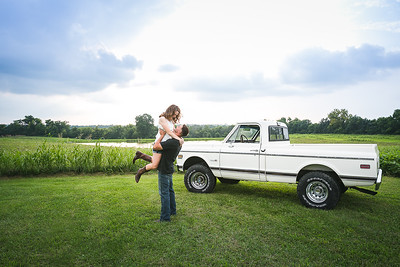Brianna & Taylor's engagement session in Versailles, KY 7.20.15.  © 2015 Love & Lenses Photography/ Becky Flanery   www.loveandlenses.photography