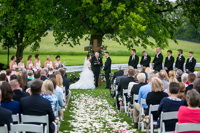 Brianna & Taylor's wedding day in Versailles, KY 5.21.16.  © 2016 Love & Lenses Photography/ Becky Flanery   www.loveandlenses.photography