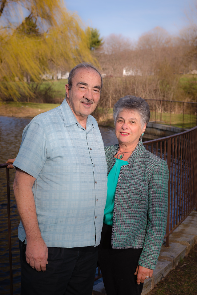 Cathy and Joe Miceli Family-April 19, 2014-Canon EOS 5D Mark III-47