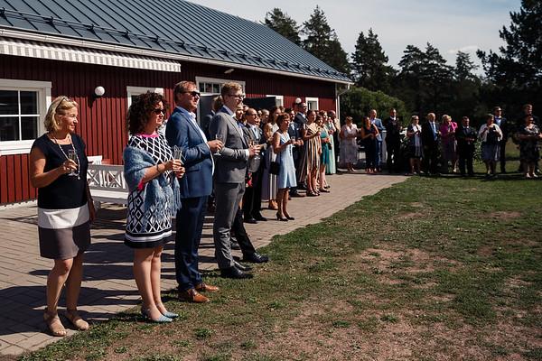 Dokumentaarinen hääkuvaus Turku Lammin talo-152