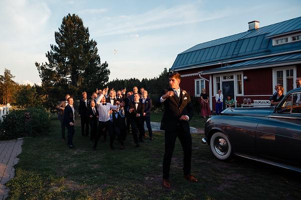 Dokumentaarinen hääkuvaus Turku Lammin talo-367