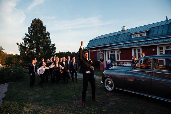 Dokumentaarinen hääkuvaus Turku Lammin talo-366