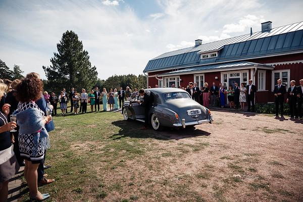 Dokumentaarinen hääkuvaus Turku Lammin talo-150