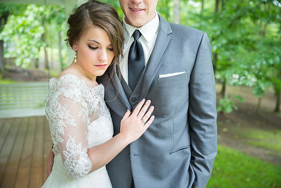 Emily & Jarrod's wedding day at Mt. Carmel Church & the UK Robinson Center in Jackson, KY 6.20.15.   © 2015 Love & Lenses Photography/ Becky Flanery   www.loveandlenses.photography