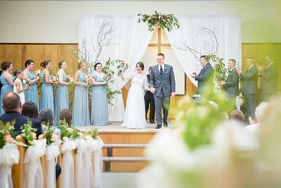 Emily & Jarrod's wedding day at Mt. Carmel Church & the UK Robinson Center in Jackson, KY 6.20.15.   © 2015 Love & Lenses Photography/ Becky Flanery   www.loveandlenses.photography
