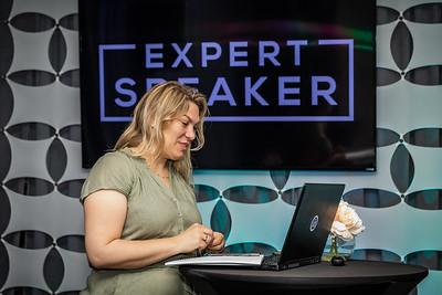 ExpertSpeaker-15