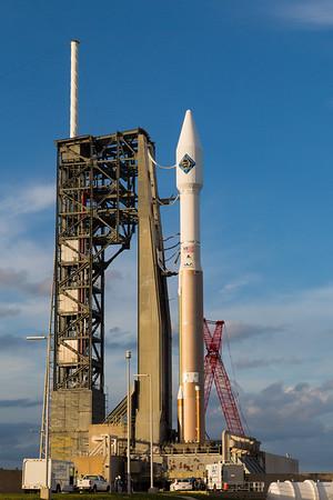 OA-4 Cygnus AtlasV on the pad