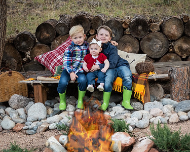 Fall Mini Sessions- 2020-1-5 campfire added