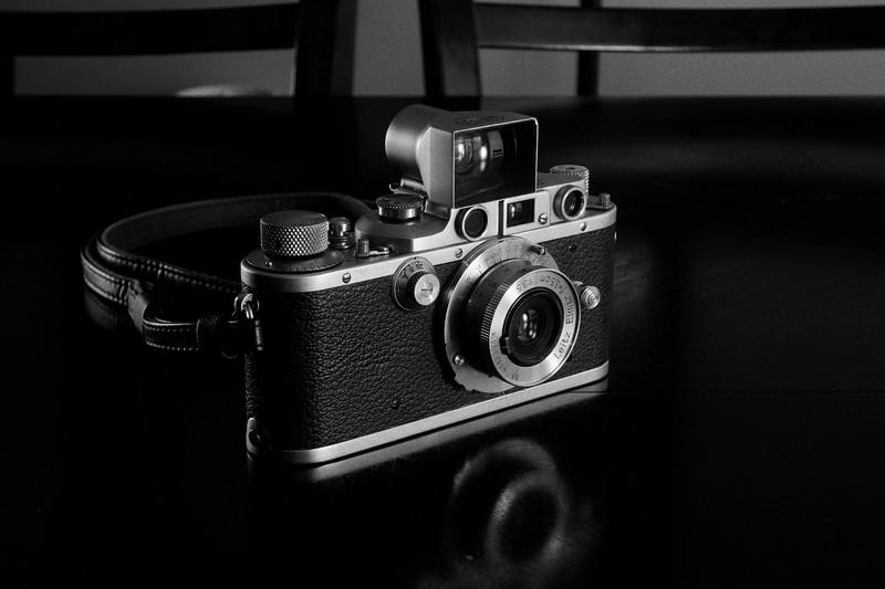 '38 Leica IIIb with '48 3.5cm f/3.5 Elmar and 3.5cm Brightline Finder