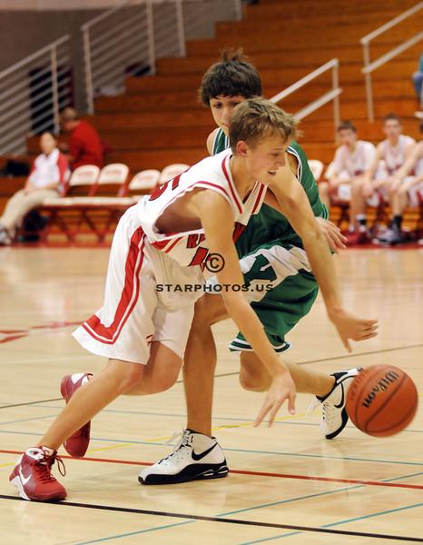 12/1/08<br /> Hinsdale Central HS<br /> <br /> York vs Hinsdale Central boys frosh basketball<br /> <br /> Scott Hardesty/www.starphotos.us
