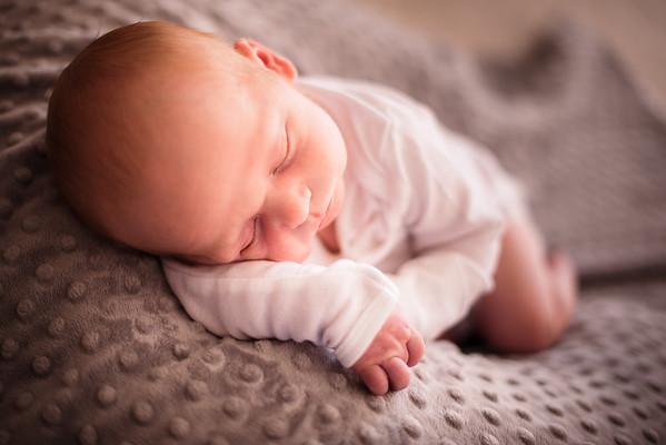 Jay & Kelly's Newborn Photo-0002