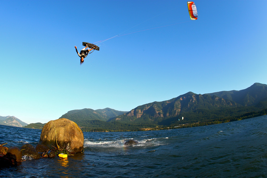 Shawn Richman inverted in the gorge at Stevenson, WA.