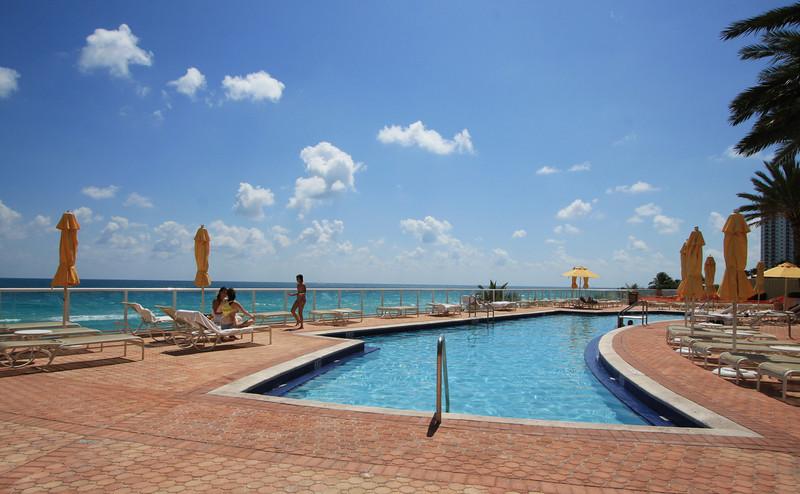 Ocean Two - Sunny Isles