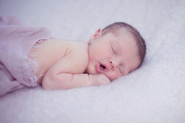 Newborn girl photographer