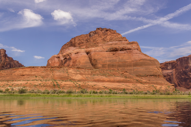 2015-05-29-74 After - River Raft Trip to Horseshoe Bend. View of Horseshoe Bend Looking straight on from the river. Very difficult to realize the height and massive it really is.