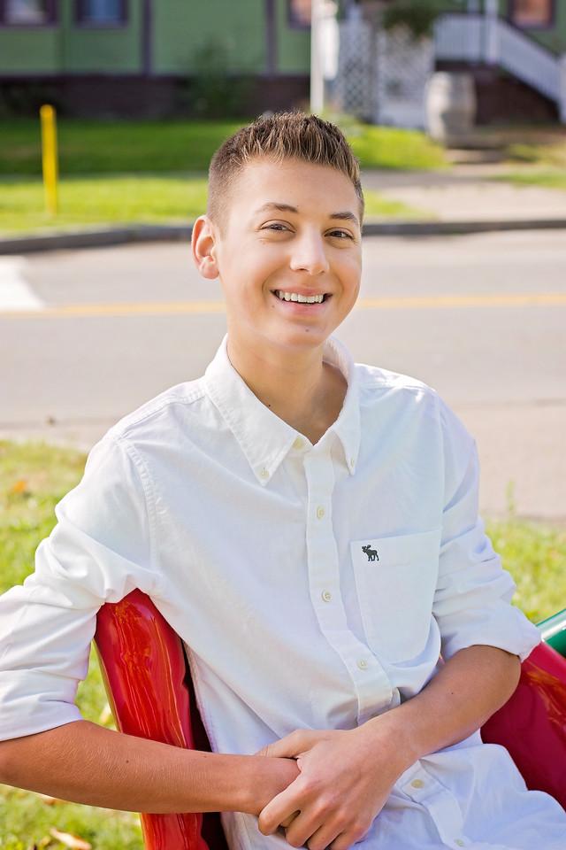 Mason Stavalone_Senior Portraits_October-2015_3