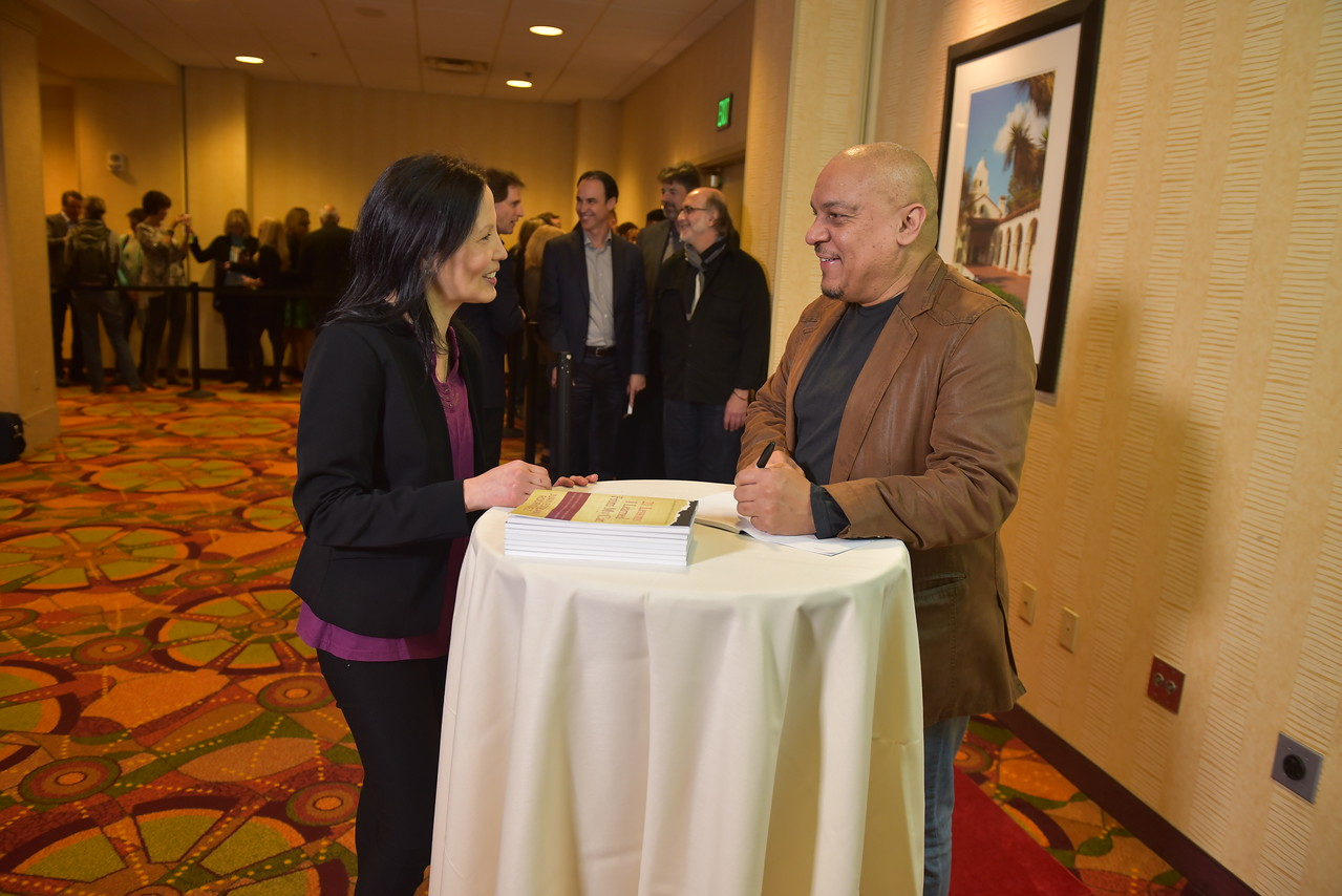01 17PP D3 Book Signing 0775