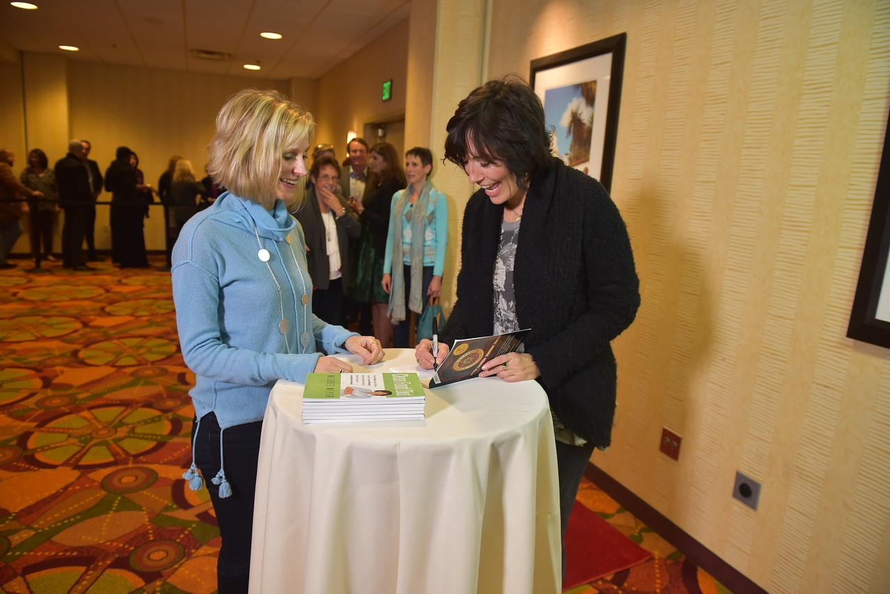 01 17PP D3 Book Signing 1145