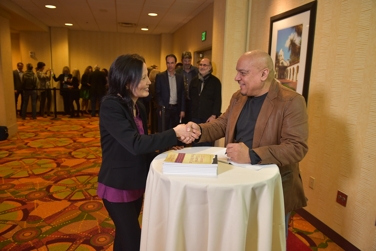 01 17PP D3 Book Signing 0780