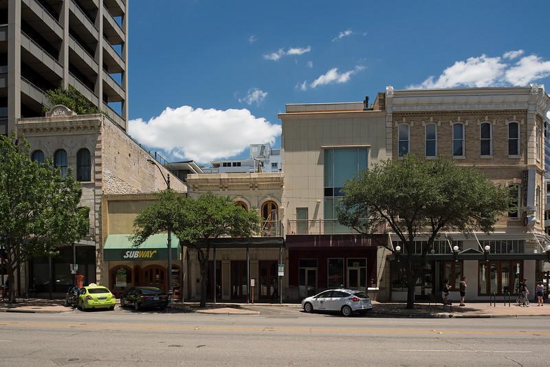 809 Congress Avenue