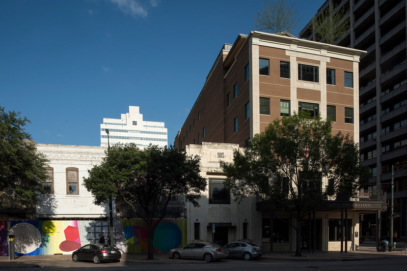 900 block Congress (909-Mitchell-Robertson, 907 Granberry Building and Radam Microbe Killer, 905 Nelsen Partners (1875), 901 TPPF