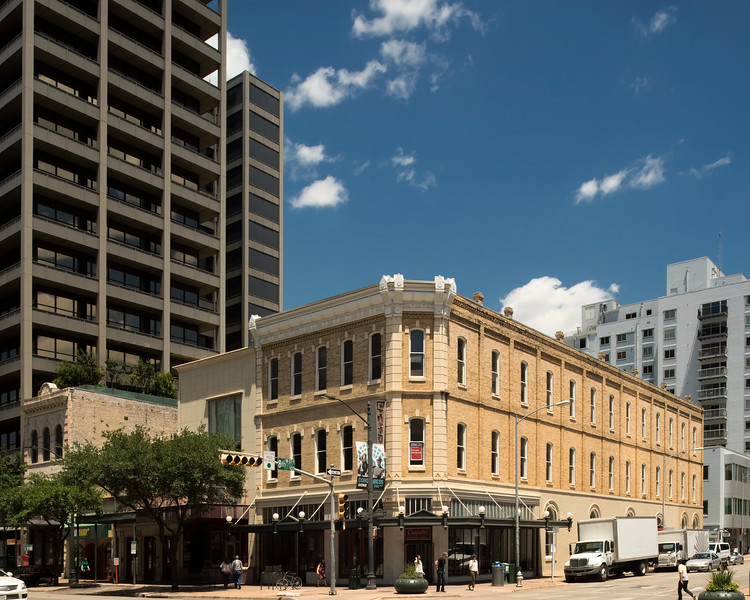 Bremond Building 801 Congress