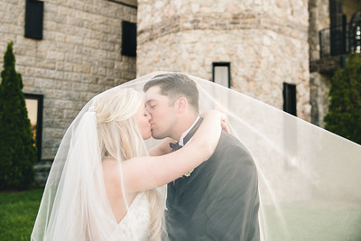 Paige & Jeremy's wedding day at the Castle Post in Versailles, KY 4.23.16.  © 2016 Love & Lenses Photography/ Becky Flanery   www.loveandlenses.photography