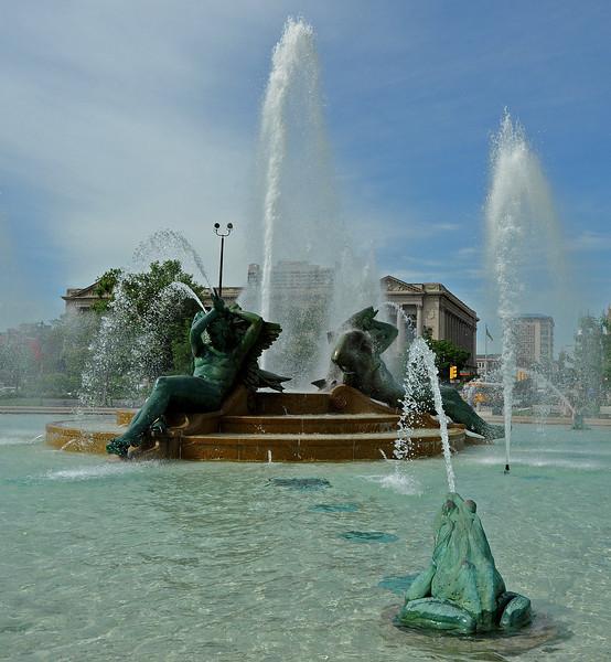 Swan Fountain<br /> Logan Square<br /> Ben Franklin Parkway<br /> Philadelphia<br /> 7 May 2010