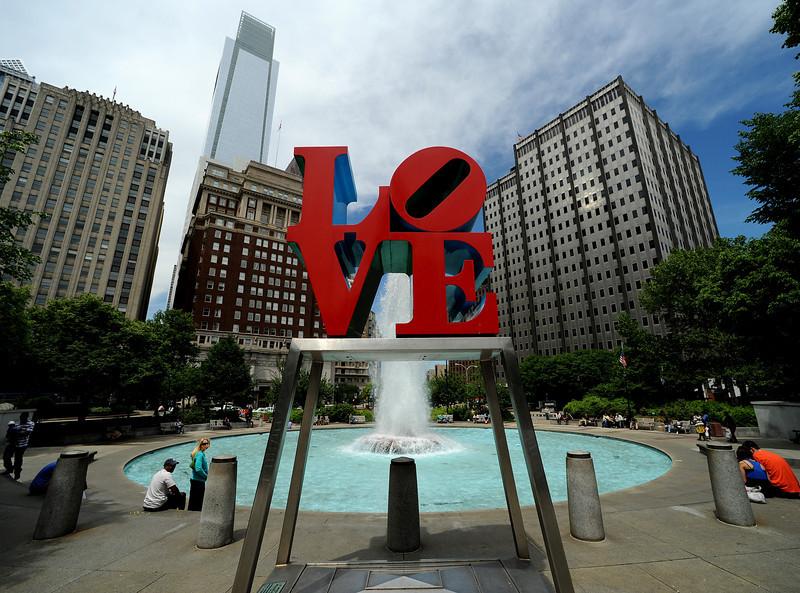 Love Park<br /> Ben Franklin Parkway<br /> Philadelphia<br /> 7 May 2010