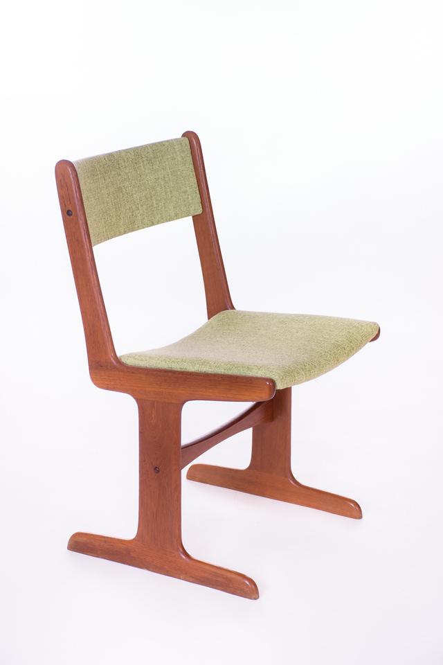 master U chairs-17