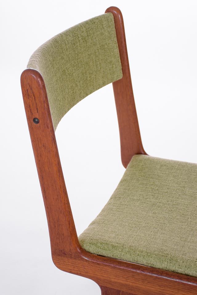 master U chairs-13