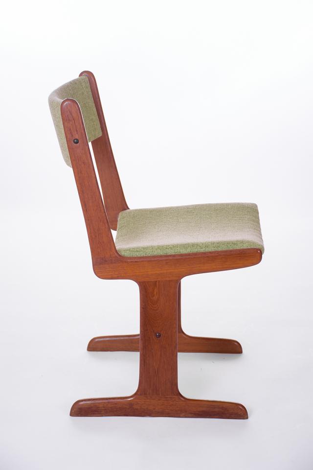 master U chairs-9