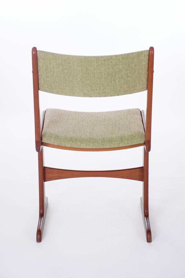 master U chairs-10