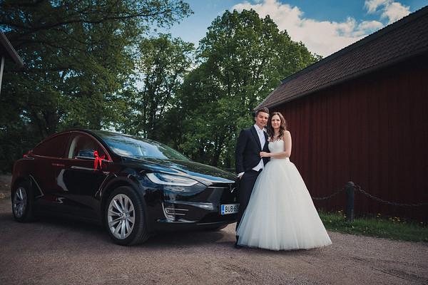 Pyhän Laurin kirkko Vantaa dokumentaarinen hääkuvaus-43