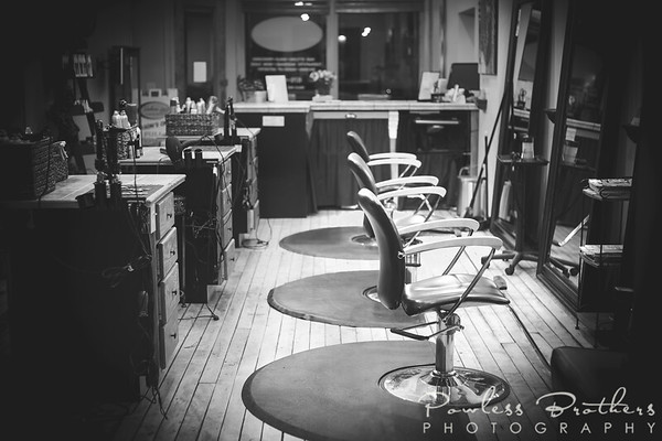 HairStations_B&W