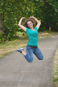 Laurel_jumping1