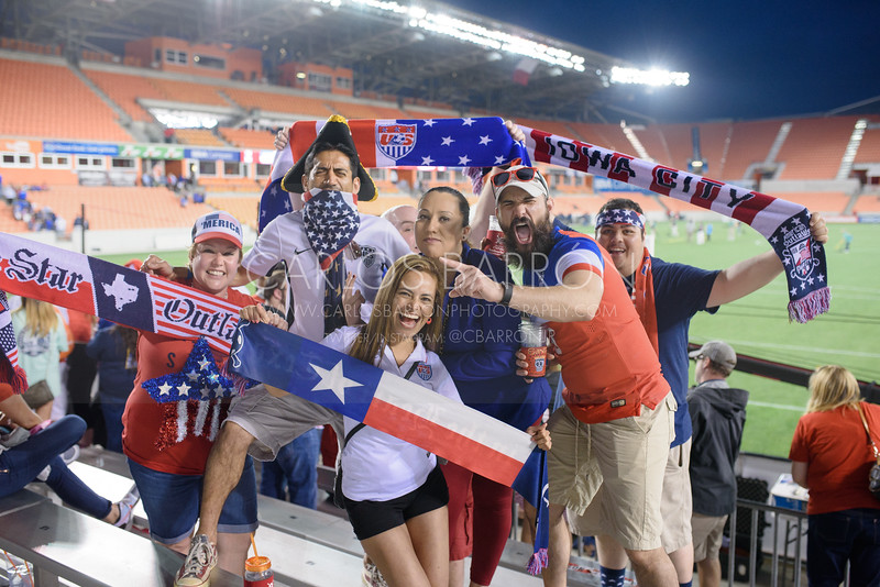 USA-vs-CAN-CarlosBarron-8725