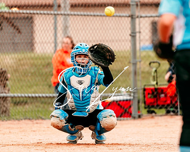 Lakeville 10U Lightning vs Farmington Frenzy-4