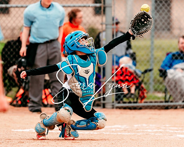 Lakeville 10U Lightning vs Farmington Frenzy-1