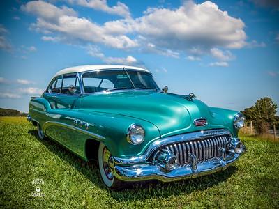Steve Delise's 52 Buick Hardtop