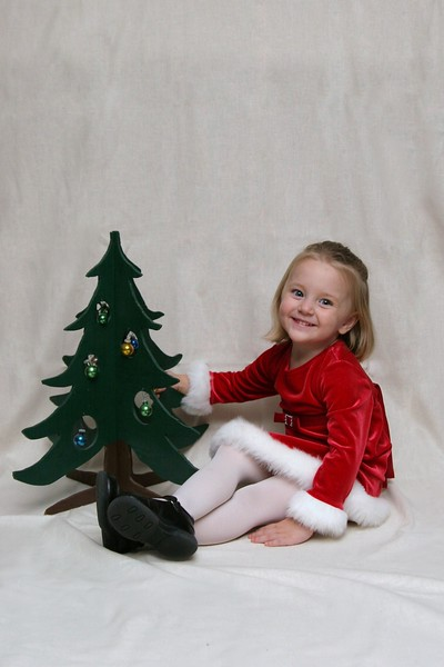 11 04 07 Kylee's Christmas Pictures (24 1)