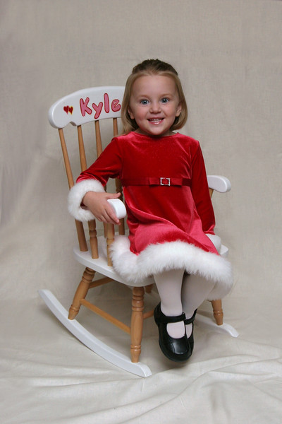 11 04 07 Kylee's Christmas Pictures (14 1)