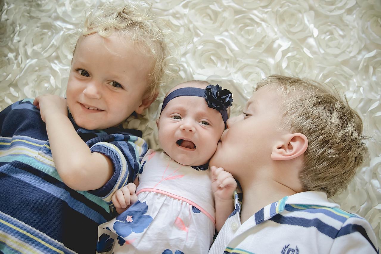 Grand Rapids, MI newborn and family photography