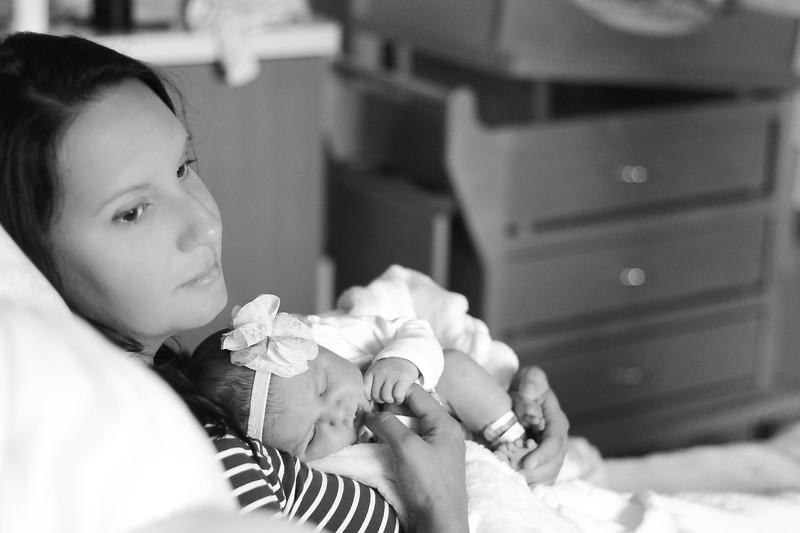 Vivi Newborn-123