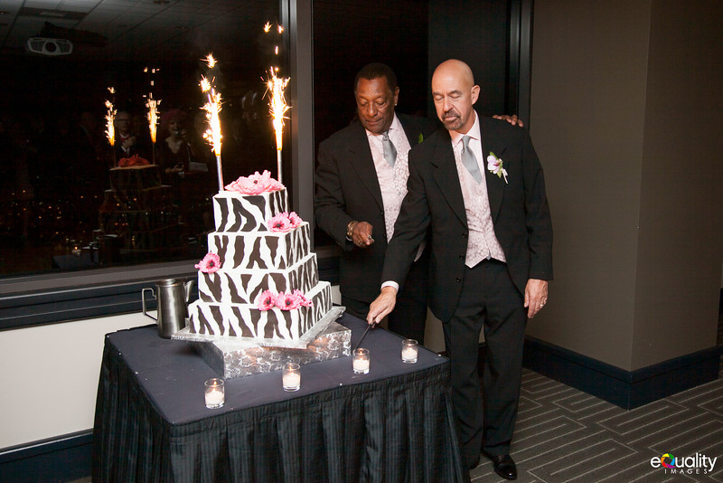 Michael_Ron_7 Cake & Toasts_003_0477