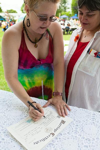 Signing_1