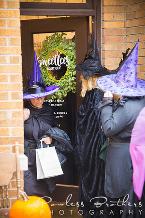 Witches on the Town-4