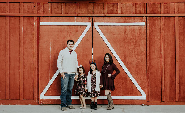 Pound-Family-8633