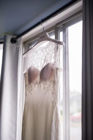 Montreal Wedding Photographer | Ile Charron | Riviera Receptions | Montreal Quebec | Lindsay Muciy Photography